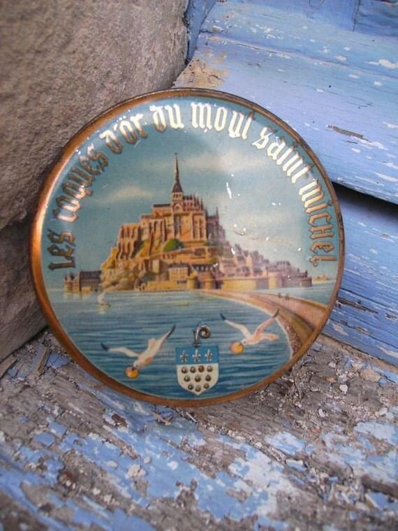 Mont St Michel vintage  50s sweets tin box souvenir