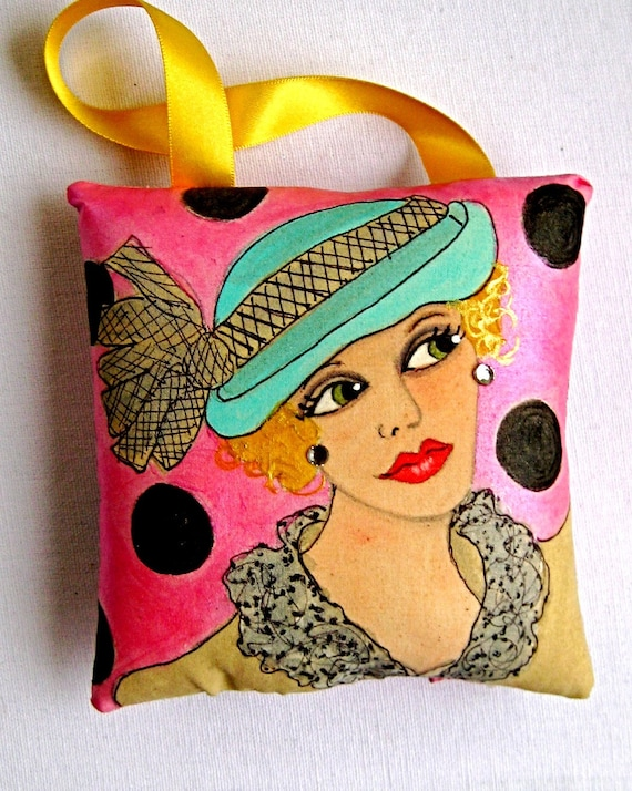 1920's WOMAN little pillow   (There's nothing like a girl with a plunging neckline to keep a man on his toes.
