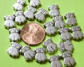silvertone puppy beads