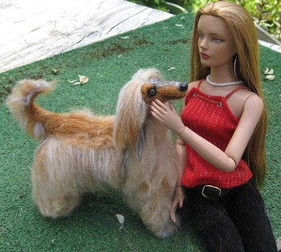 Doll Pet / Needle Felted Dog / Your pet as a Miniature Sculpture  / Cute / poseable OOAK