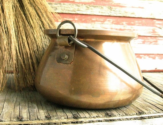 Copper Hanging Cauldron ......... Halloween Witch's Brew