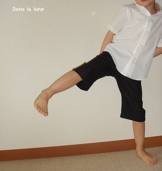 PDF Sewing Pattern - Bermuda Shorts Pants - Trousers for children - 3 sizes - between 3Y to 7Y