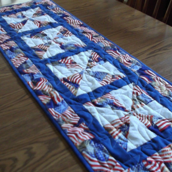 Patriotic Pinwheel Tablerunner
