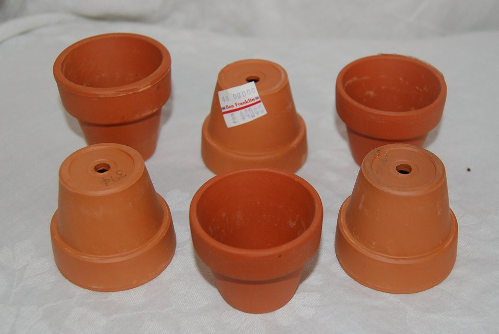 6 small cute clay pots use in arts and crafts for Small terracotta pots crafts