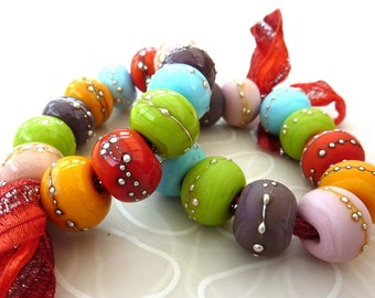 Sunbaked Summer.. 12 etched handmade glass beads with silver .. UK SRA