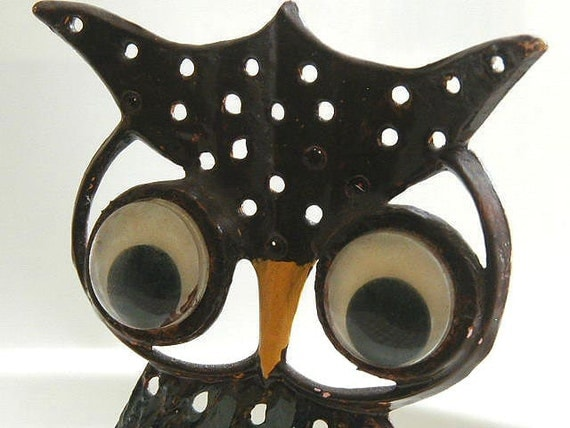 Vintage Libby Owl Earring Holder painted metal with googly eyes earring tree