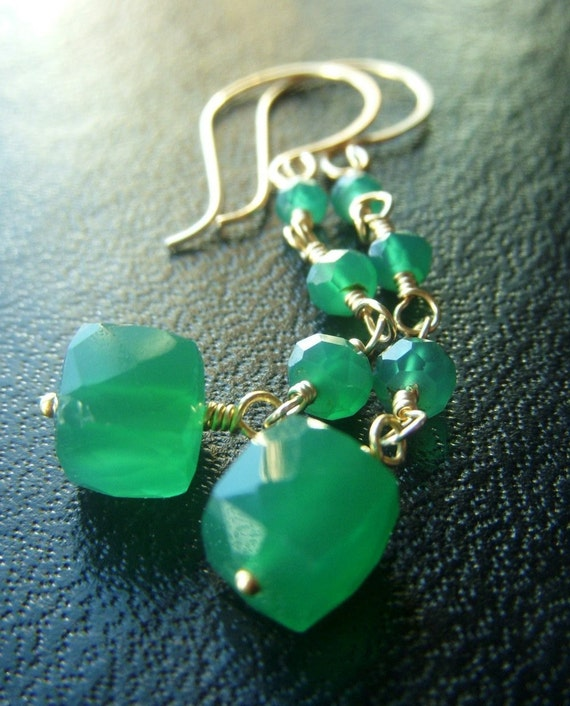 Green Onyx Earrings on Goldfill . Cube Geometric . Structure