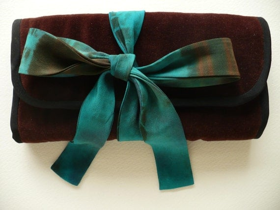 Brown Velvet Jewelry Case with Turquoise Silk Tie