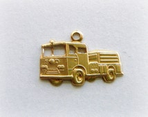 BRASS (16 Pieces) FIRE TRUCK Charms Stamping ~ Firefighter (G)