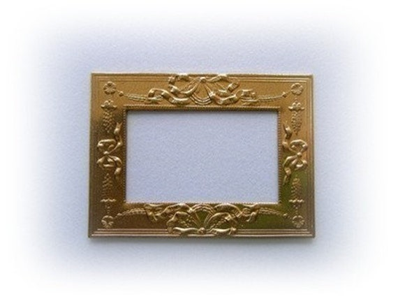 1 Pc Elegant Brass Victorian Bow and Ribbon Frame Finding Charm (BF)