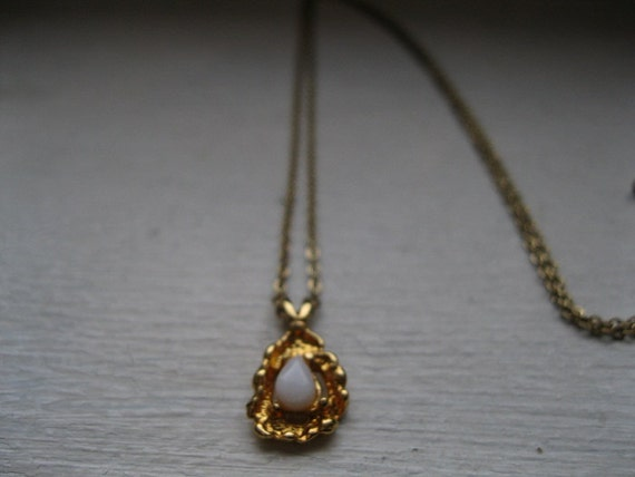 Vintage opal and nugget necklace