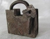 ANTIQUE 1700s-1800s LOCK AND KEY...hve
