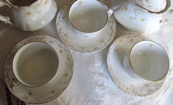SALE Antique 1800's Set Of 3 Victorian Yellow Roses Tea Cups And Saucers For Display Was 18.99 Now 14.99