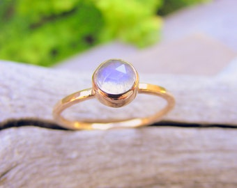 Gold Moonstone Stacking Ring, Solid Gold Stackable Mother's Birthstone Ring, Minimalist, Modern, Simple, Rosecut Moonstone Gemstone