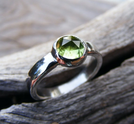 Sterling Silver Peridot Ring, Custom Engraved Personalized, Mother's Birthstone Gemstone Jewelry, Simple, Organic, Inspirational, Handmade