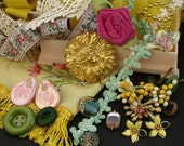 SALE Vintage SURPRISE Box trims lace jewelry
