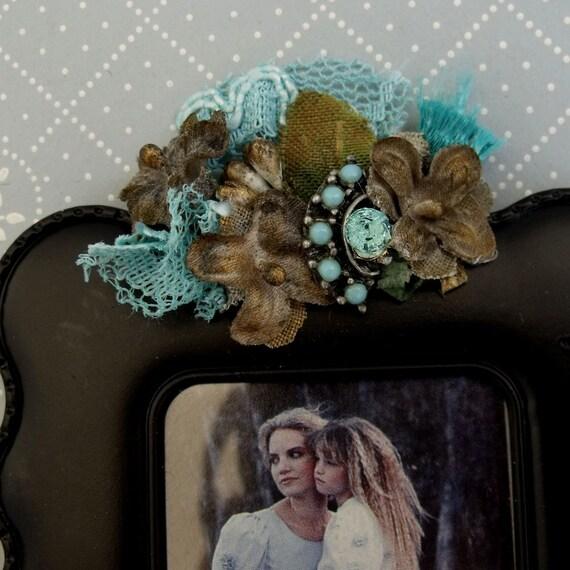 Vintage jewelry Rhinestones magnet photo frame