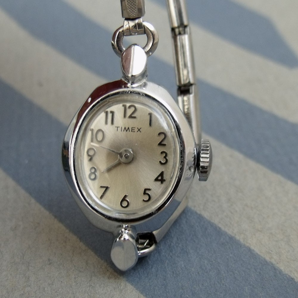 Vintage 70s timex ladies watch classic from france works for Watches of france