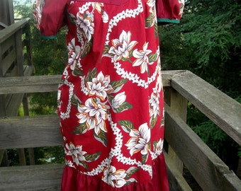 Hawaiian Traditional Muu Muu made by  Lolenani  of Hawaii is Sweet Petite and just right for the holidays in Hawaii
