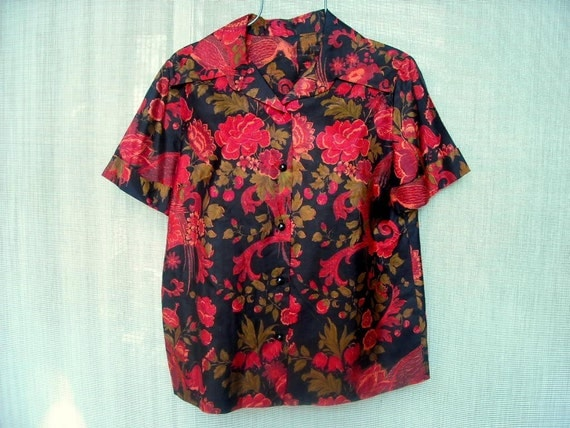 Silk Blouse 60s Hand Tailored Pongee silk w Birds Florals Blacks Reds and Olives a Gorgeous Vintage Blouse bust 42 sz 14 16