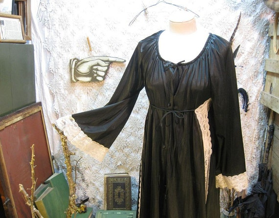 Vintage Negligee Black Robe Ivory  lace nylon silky soft 1970s M L