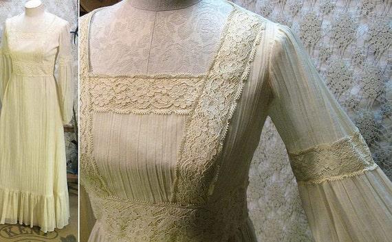 Lace vintage Dress 1970s  Wedding maxi Ivory Crinkle Sheer gauze beauty S