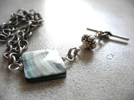 Pearl Bracelet, Mother of Pearl Bracelet, Gemstone Mother of Pearl Charm Handmade Chain Bracelet Jewelry
