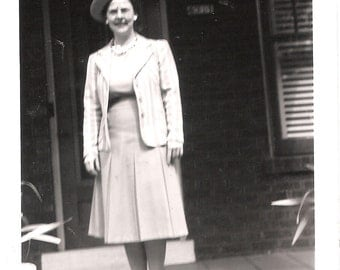 Vintage Original Photo from 1940 -Mom with great vintage hat