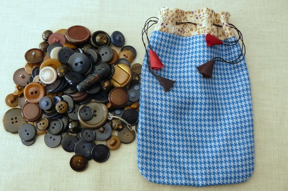 Vintage Buttons in Cute Fabric Drawstring Bag