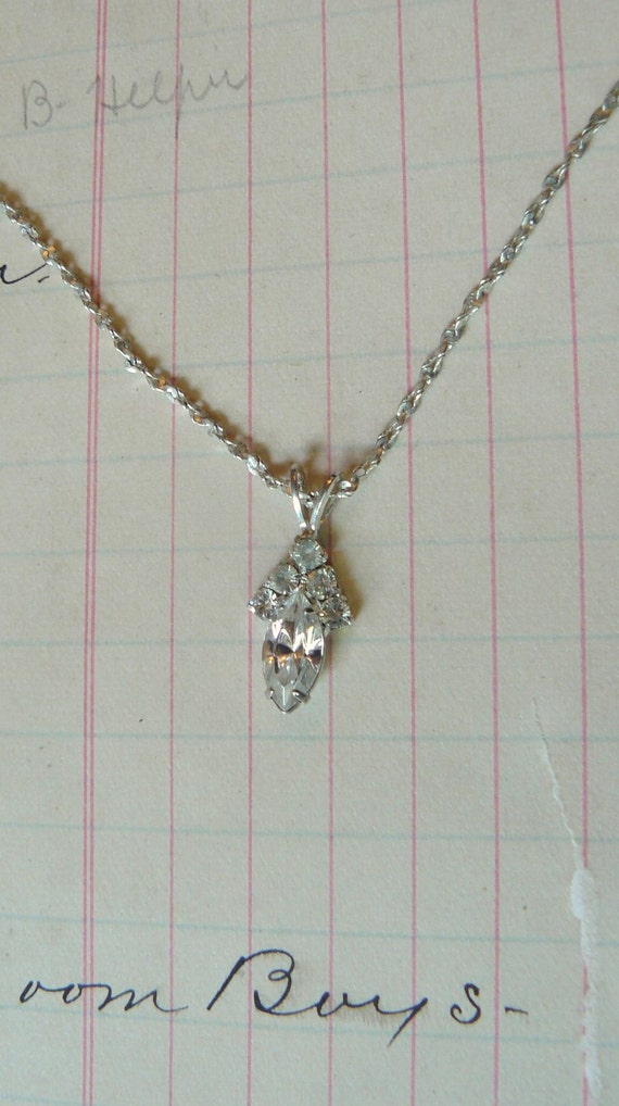 Vintage Silver Rhinestone Pendant Necklace - dainty and sweet