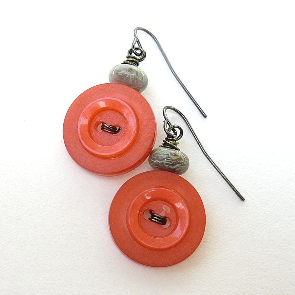 Button Earrings: Orange Vintage Button Earrings With Green Beads Tropical Pop