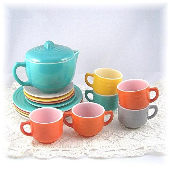 Toy Tea Set : Little hostess child s toy dishes or tea set hazel atlas