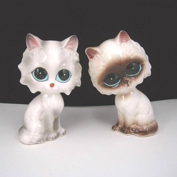 Big-Eyed Kitten Siamese Ceramic Kitten