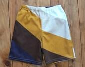 1970's VINTAGE RETRO Fabric SHORTS Size 3