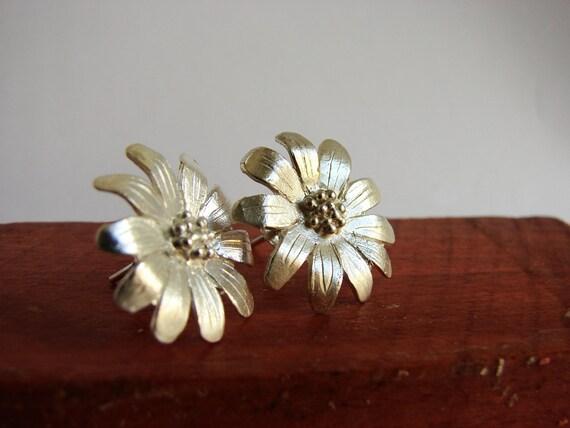 Flower Earrings Daisy Studs Sterling silver post earrings