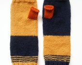 Hand knitted - Mix and Match Mittens