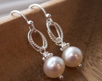 Bridesmaid earrings Pearl earrings, solid sterling silver, dangle earrings, ivory pearl earrings, white pearl earrings, bridesmaid jewelry