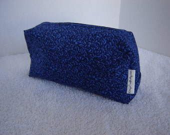 Box Shape Zippered Pouch with Tissue Cozy-Royal Blue Calico (Zip 86-C)