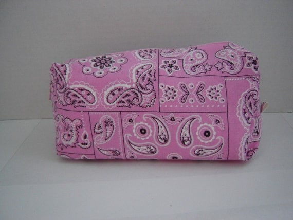 Large Box Shape Zipper Pouch with Tissue Cozy-Pink Bandana (Zip 66-C)