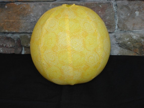 Balloon Ball with Drawstring Pouch-Yellow Swirls (Ball 53)