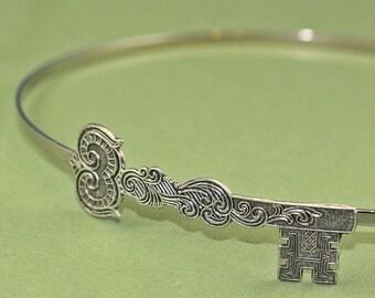 Skeleton key headband steampunk antique style silver