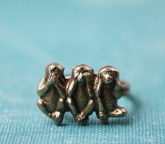 Wise monkey ring Sanzaru brass adjustable vintage floral band