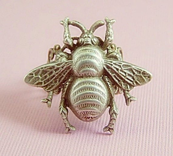 Bee ring victorian filigree silver finish adjustable