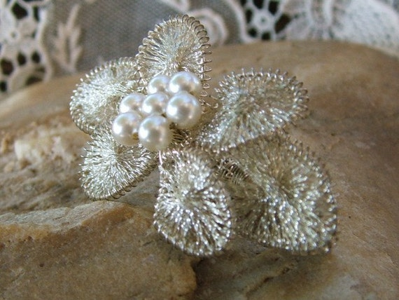 Spun Silver Brooch with seven Pearl Cluster 1950s Vintage