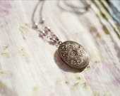 Romantic vintage style locket necklace with lavender pearls - Periwinkle
