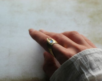 Unusual chevron ring from golden brass with a tiny vintage leaf cabochon  - Nausicaä of the Valley of the Wind