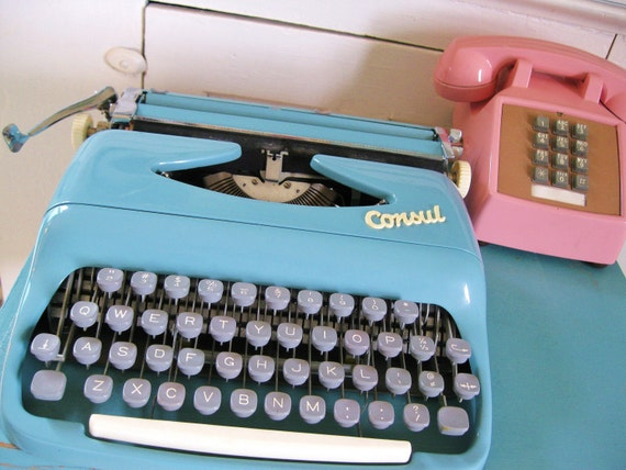 RESERVED...Writer's Block... Antique Robin's Egg Blue Consul Portable Manual Typewriter With Carrying Case Lock and Key