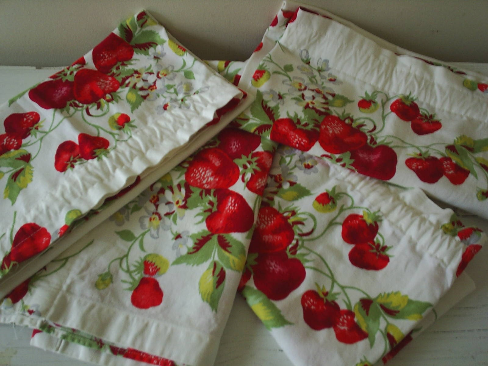 Berry Good Vintage Strawberry Curtains By Inwiththeold