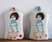 The girl who knitted love -  sachet pillow (lavender)