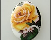 Porcelain Cameo Cabochon Yellow Rose